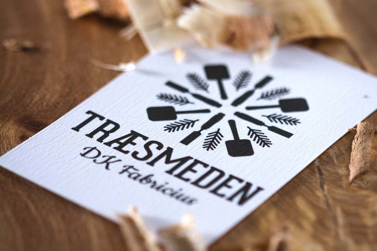 traesmeden-businesscard-wood-1200x800px