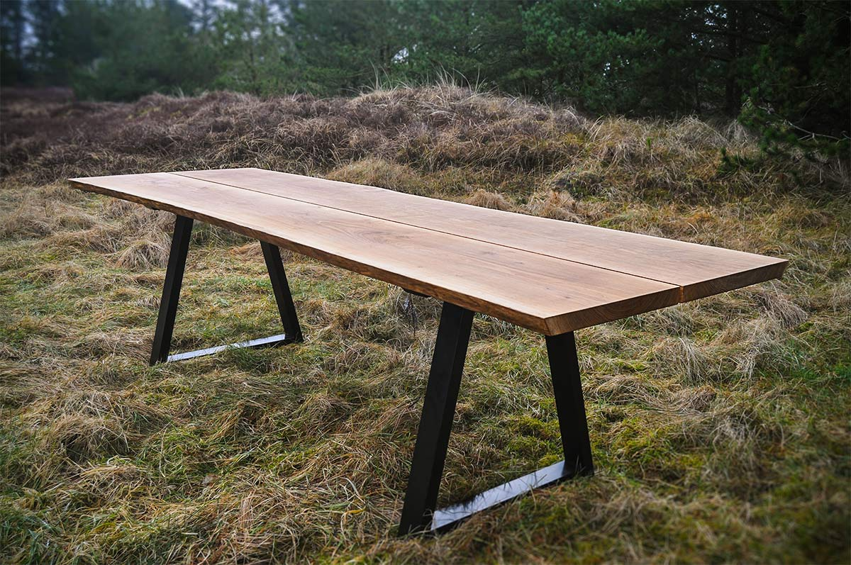 Plankebord i eg af Træsmeden